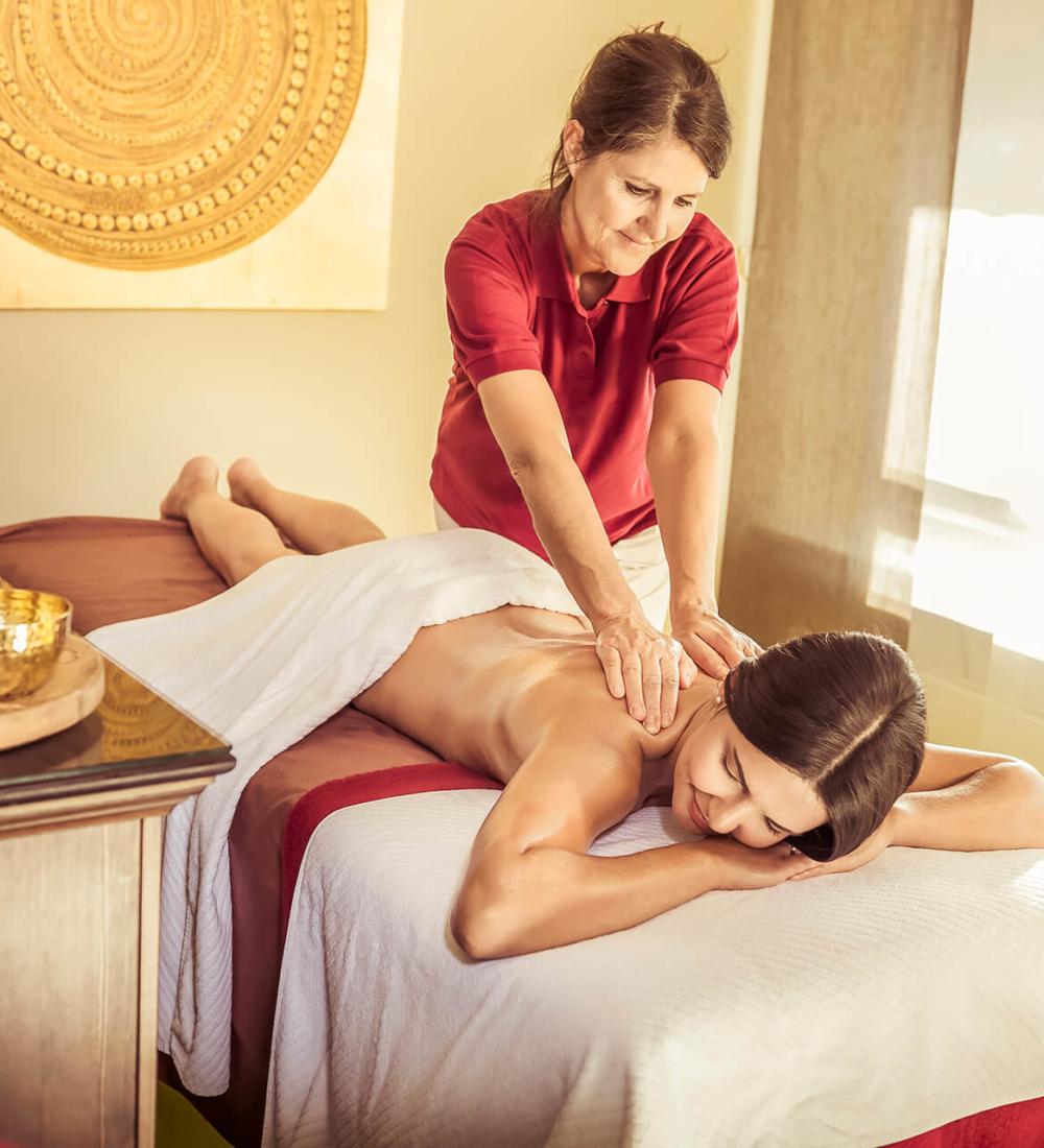 ayurveda-klinik-rueckenmassage